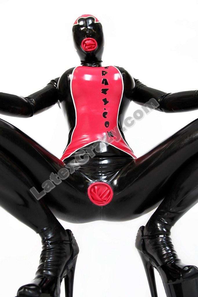 Latex attired female Latex Lucy sucking vibrator before inserting it in twat № 958728 без смс