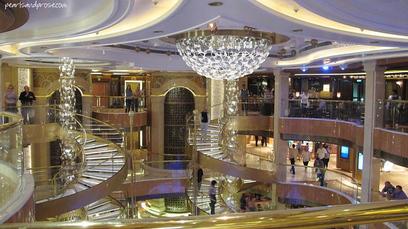 cruise_atrium_web