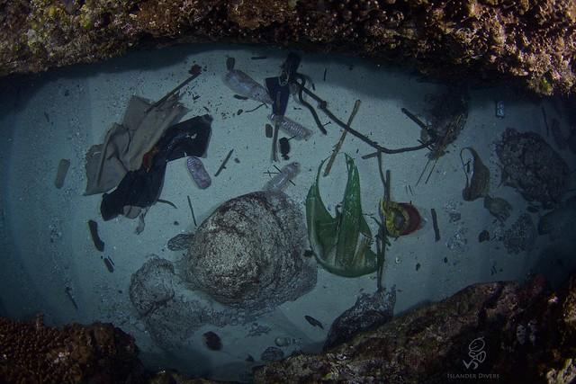 海洋垃圾滿布,同時須從源頭減塑行動做起。圖片來源:島人。Islander。