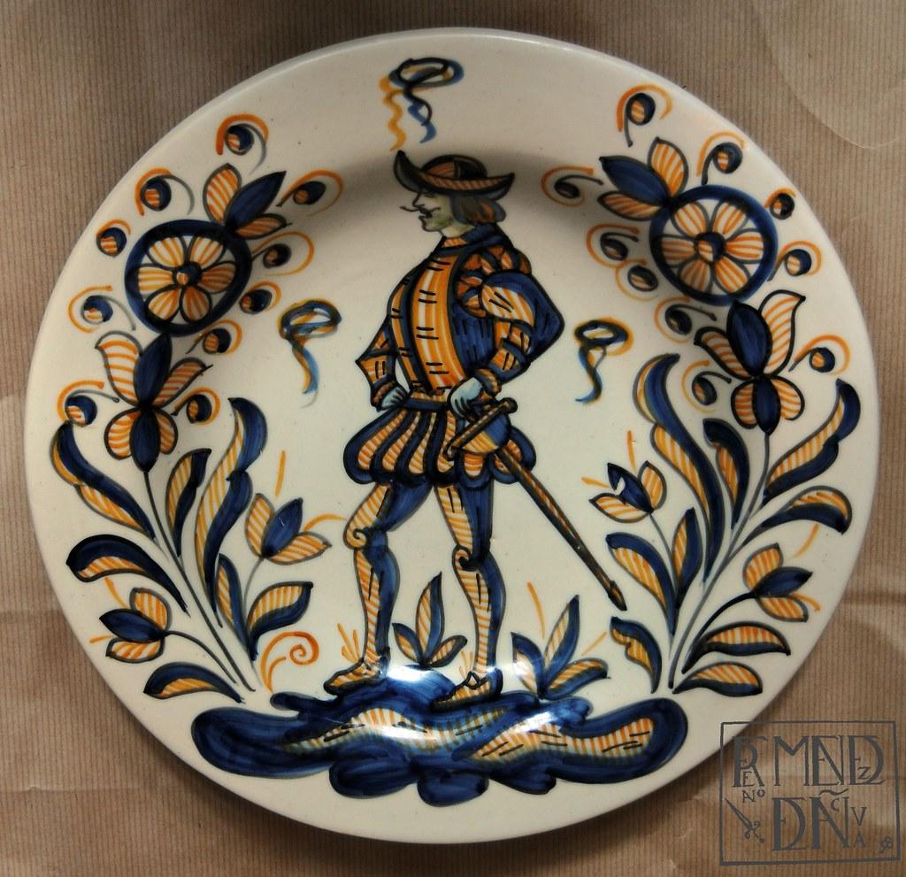Plato de cer mica de talavera alfarillo de la menora flickr for Platos de ceramica