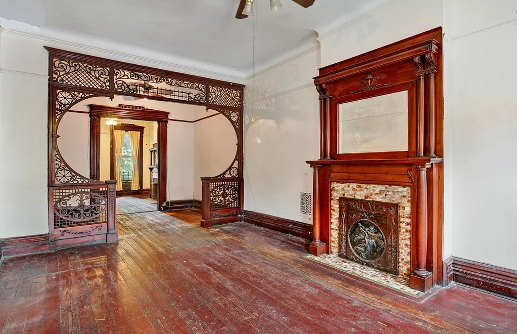 Brooklyn halsey street brownstone victorian living room or for Living room brooklyn 86 st