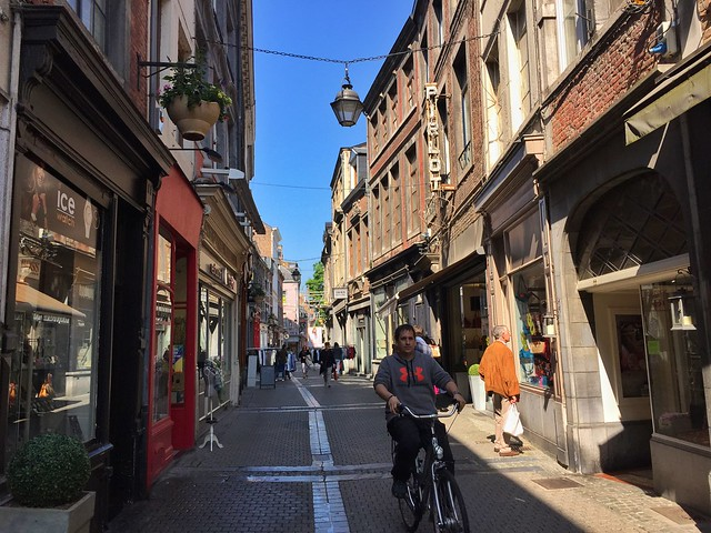 Sele en bicicleta por Namur (Valonia, Bélgica)