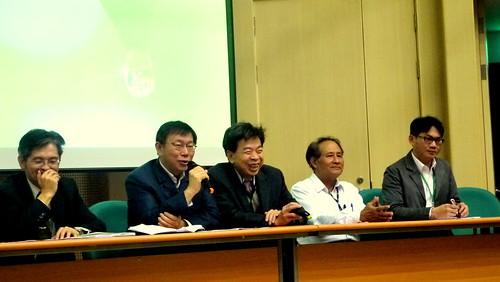 柯文哲、曹啟鴻與高市府從地方發起綠能節能策略