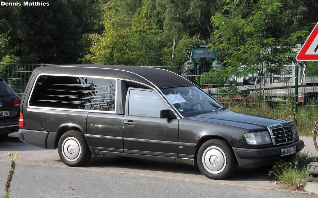 Mercedes hearse a mercedes benz 230te in hamburg for Mercedes benz hearse