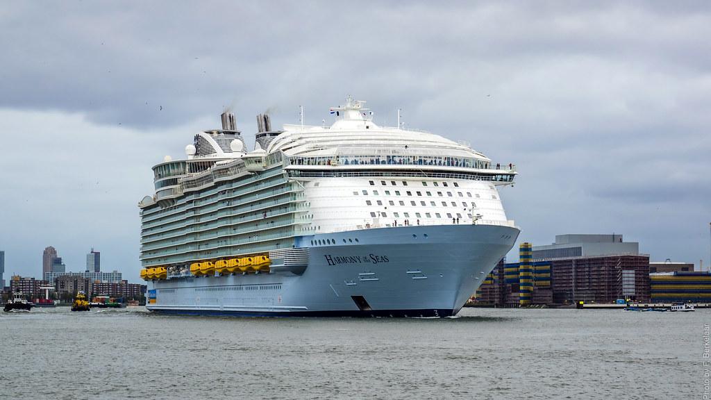 harmony of the seas   nieuwe maas   port of rotterdam flickr