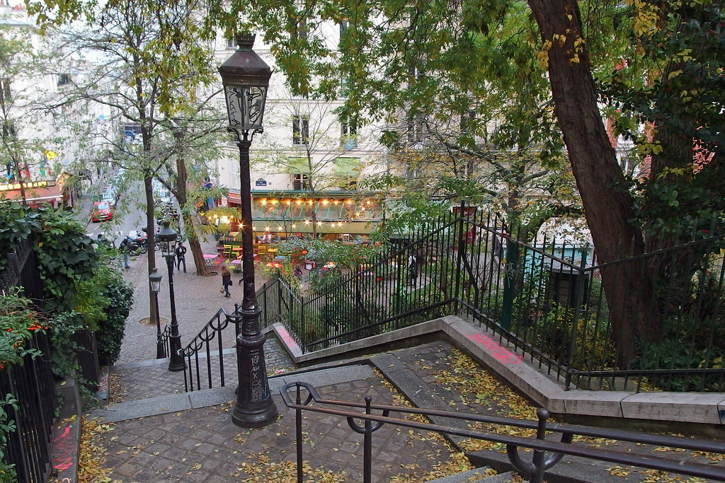 paris montmartre les escaliers de la rue maurice utrill flickr. Black Bedroom Furniture Sets. Home Design Ideas