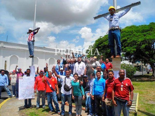 Trabajadores de CORPOELEC siguen esperando por la firma de un nuevo contrato que tiene más de 5 años...