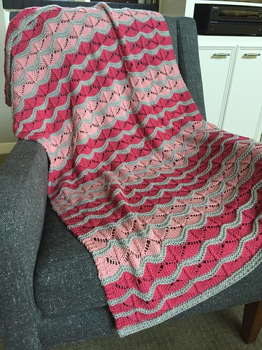 Knitting Sweaters & Sitting Still: August 2016