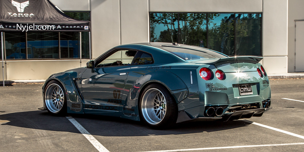 Nissan Gtr Custom Paint Job