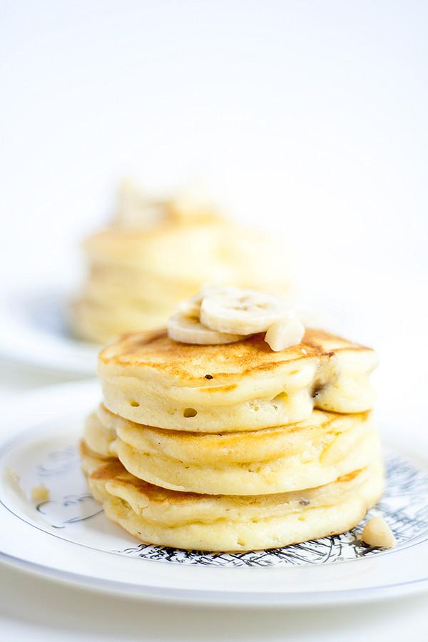 banana macadamia nut pancakes