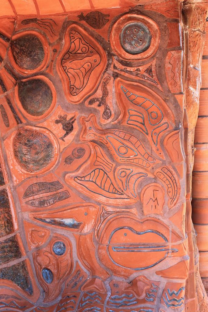 Benalla lake walk ceramic mural one of australia s for Ceramic mural making