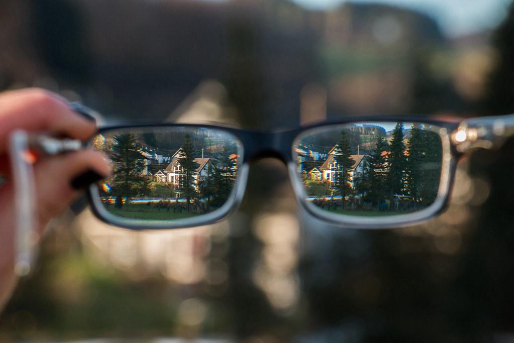 see the world through our glasses boke bokeh beu
