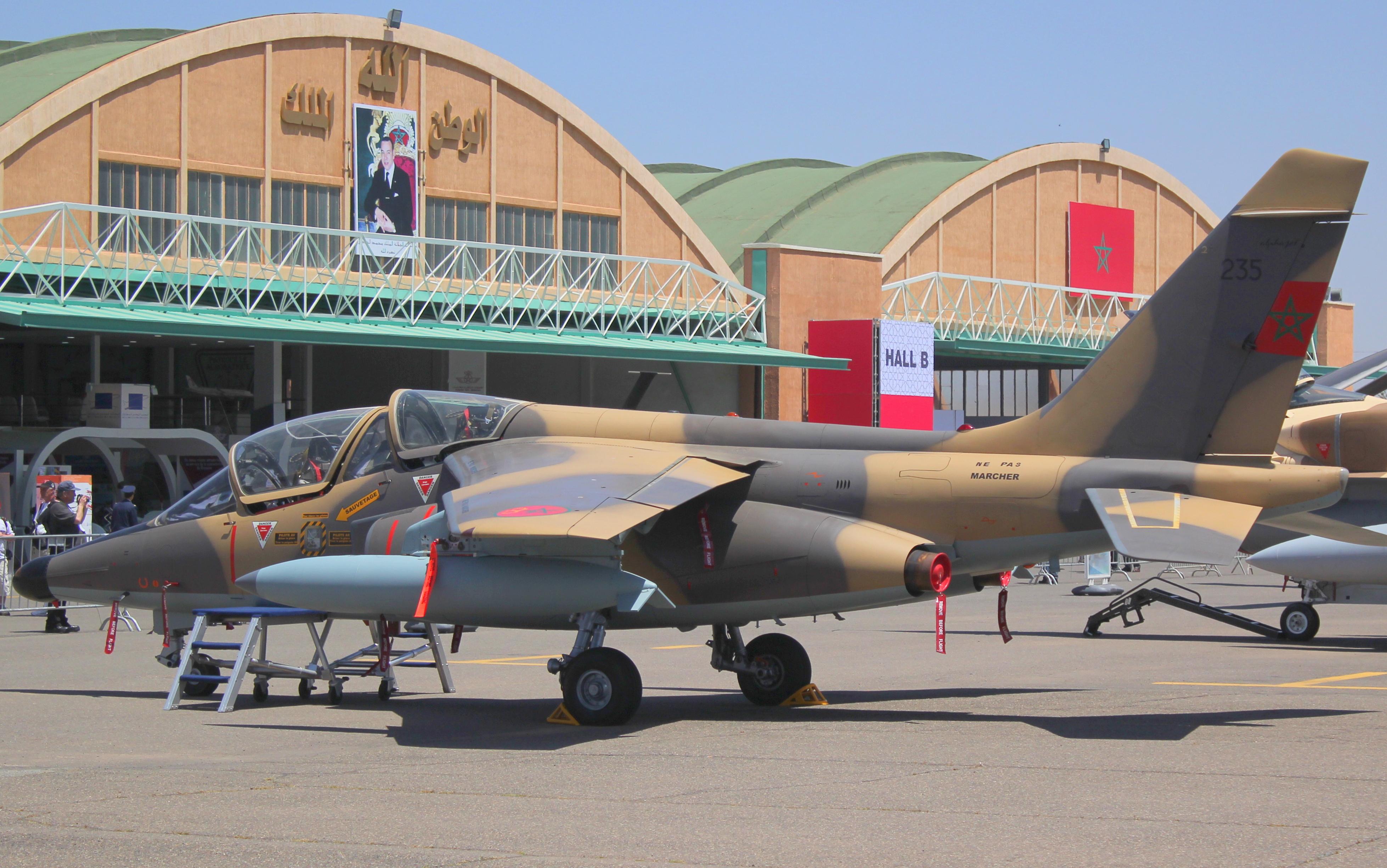 FRA: Photos avions d'entrainement et anti insurrection - Page 8 26777520016_ebcbb18d50_o