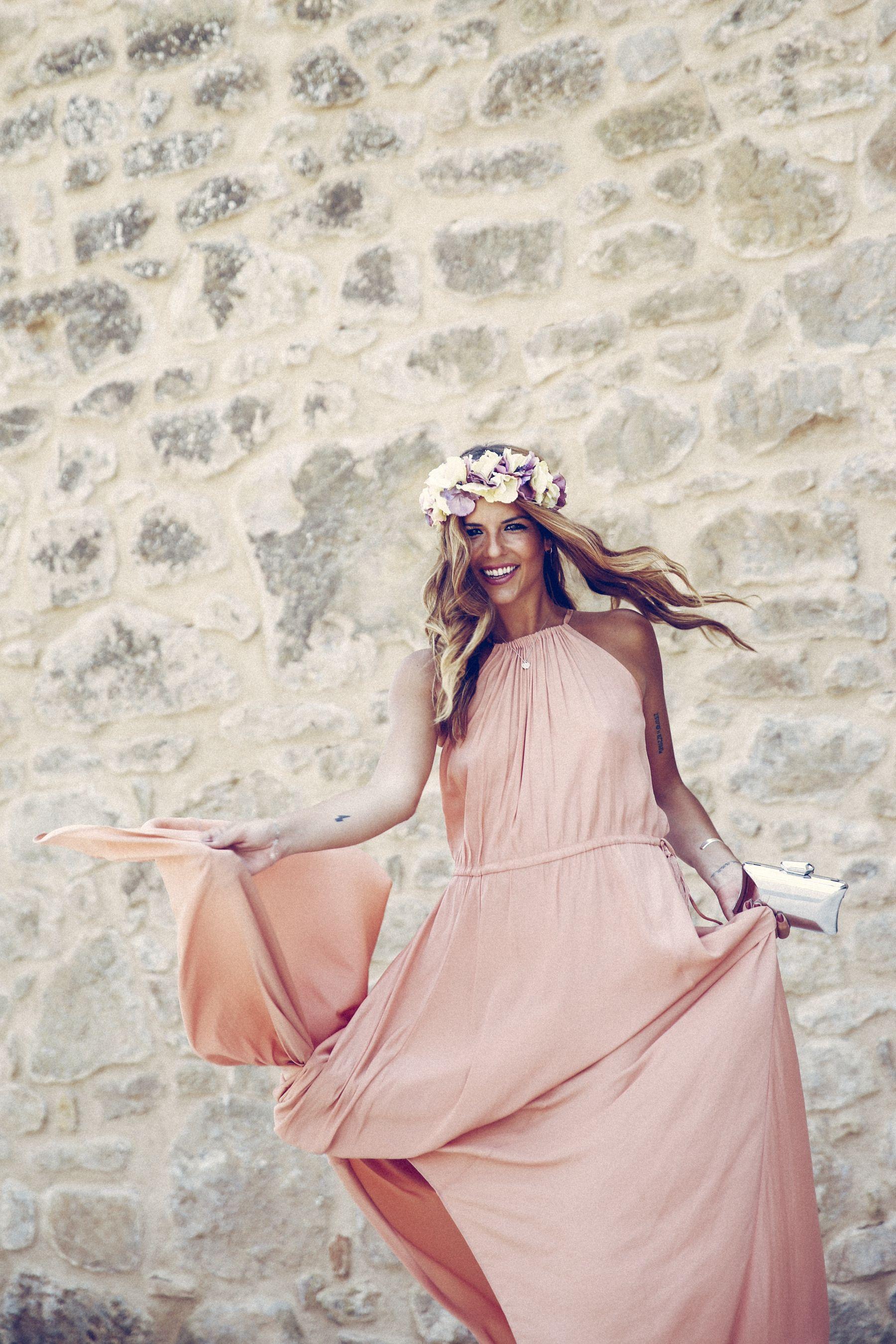 adolfo dominguez dress vestido pura lopez sandalias sandals wedges corona flores flower crown pink silver rosa plata clutch bombonera summer boda wedding guest outfit look primavera spring street style trendy taste _9