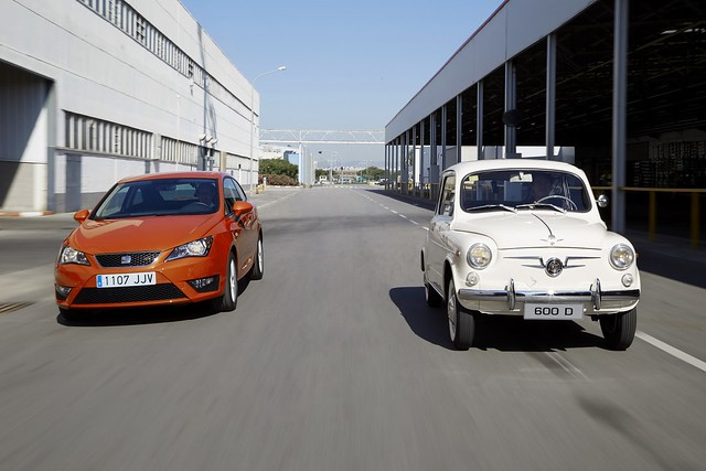 SEAT 600 D и SEAT Ibiza FR