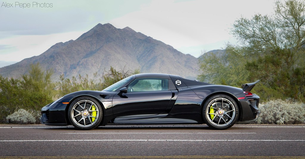 porsche 918 spyder in scottsdale during barrett jackson. Black Bedroom Furniture Sets. Home Design Ideas