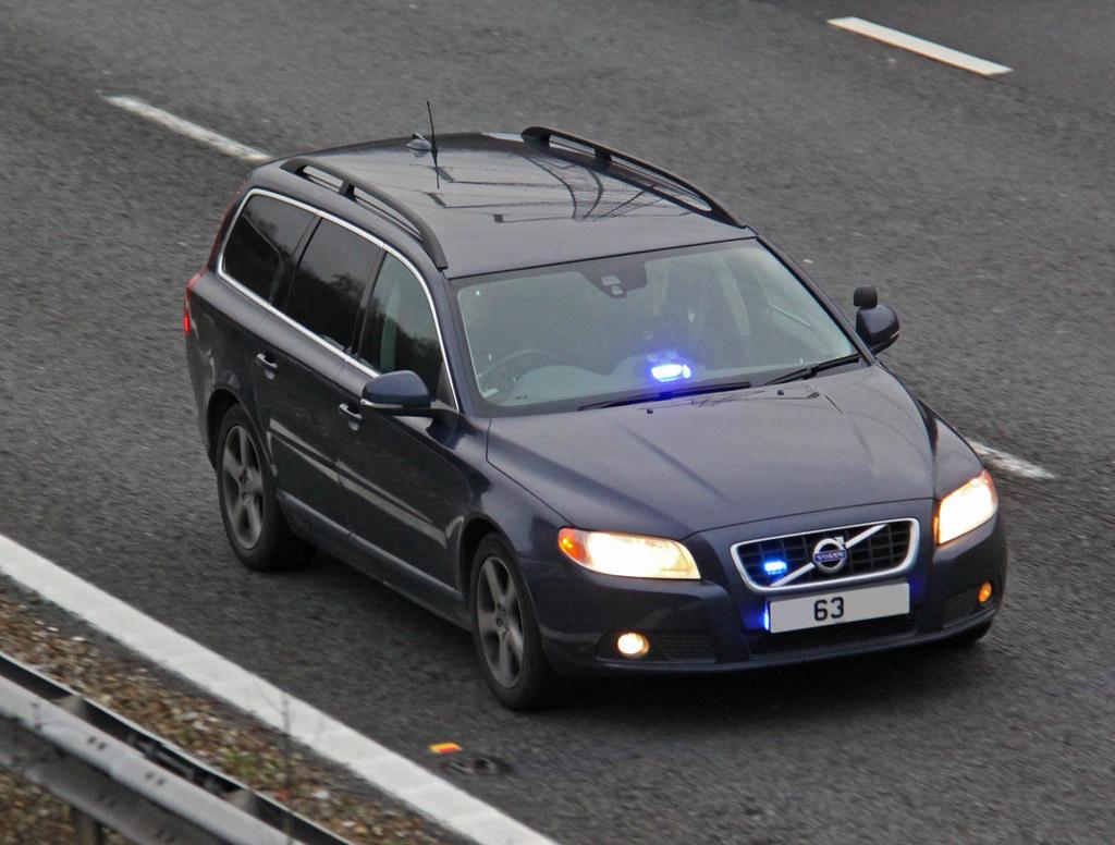 Hampshire Police Unmarked Volvo V70 D5 Armed Response Vehi ...