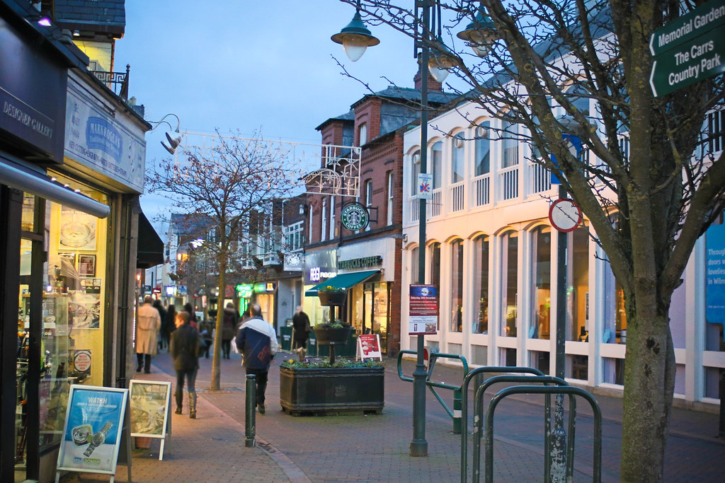Get Free Credit Report >> Wilmslow Town Centre, Cheshire | Wilmslow Town Centre ...