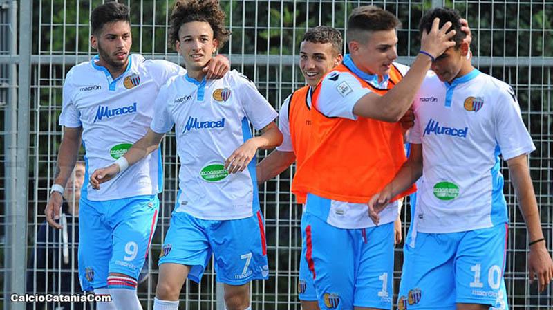 Di Stefano (secondo da sx) e Biondi (quarto) in gol oggi a Torre del Grifo