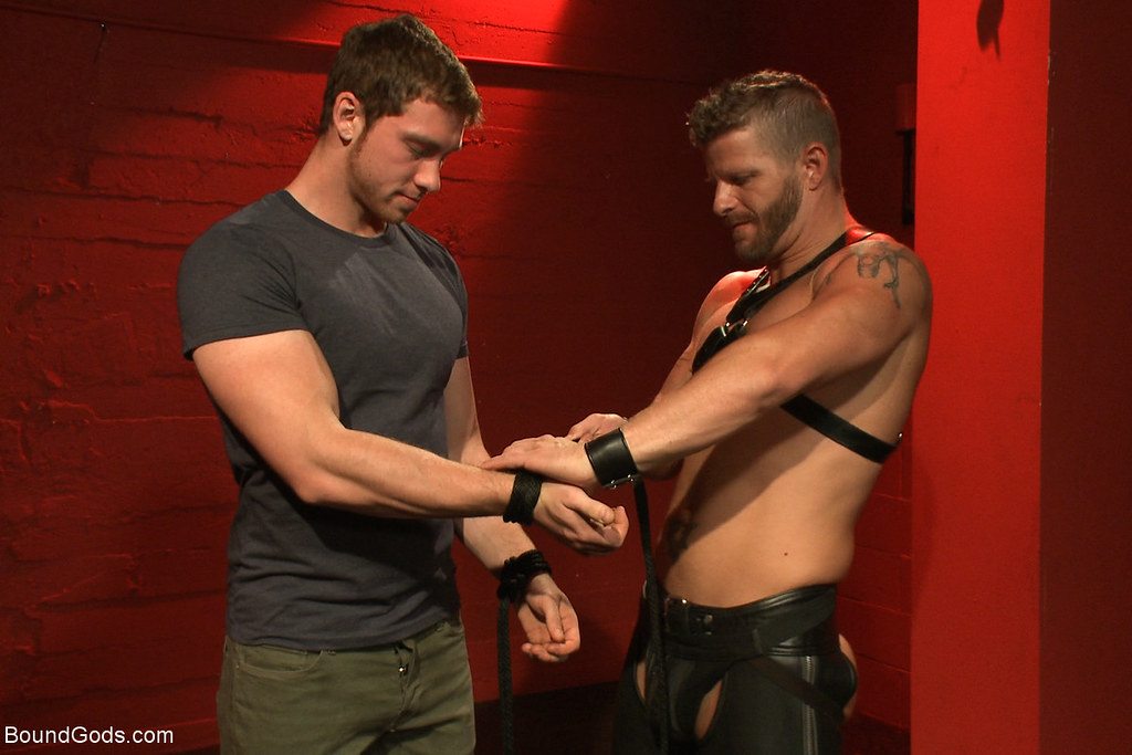 Leather Gay Porn @ Gay Male Tube