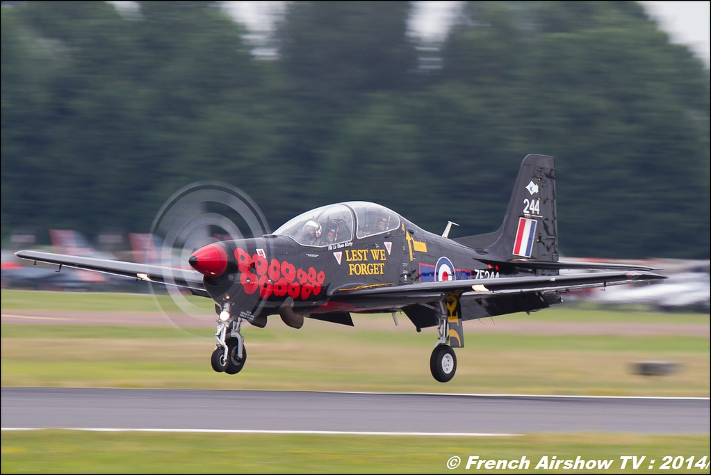 RAF Short Tucano T1 Solo Display , RIAT , Fairford , Royal International Air Tattoo 2014 , Meeting Aerien Air Tattoo , Meeting Aerien 2014