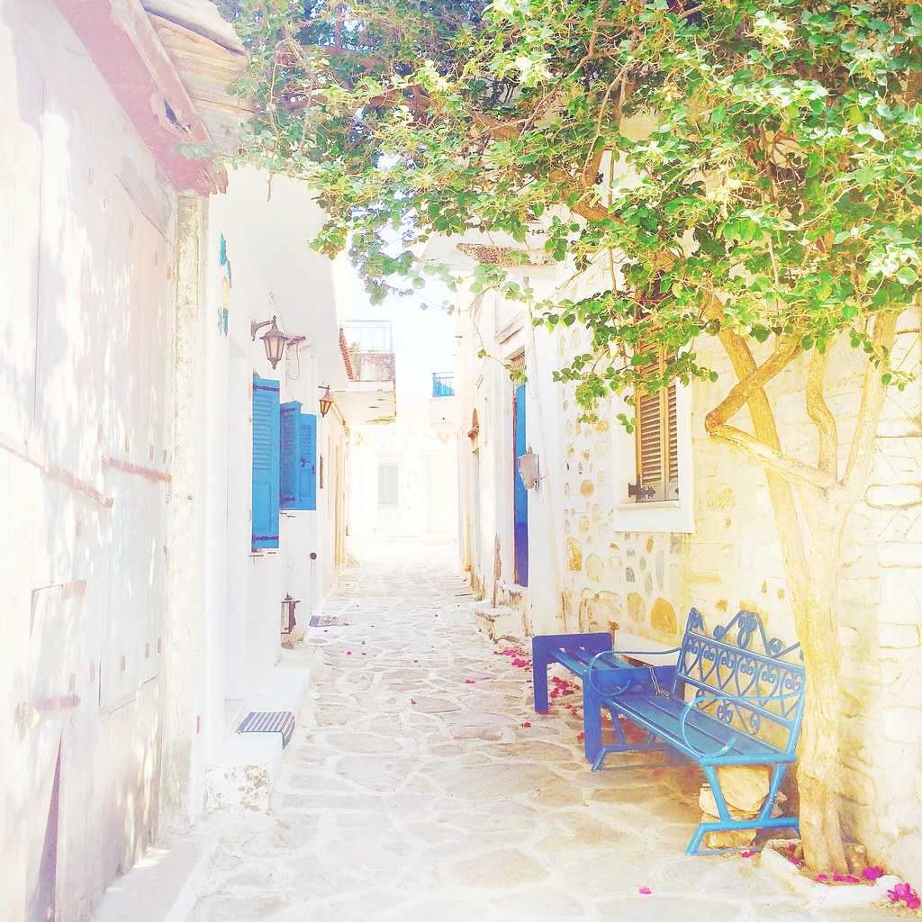 Charming streets of Naxos, Greece | via It's Travel O'Clock