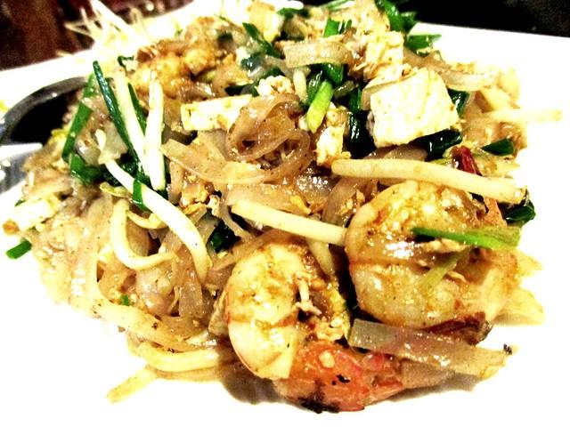 Flavours Thai Kitchen pad thai 2