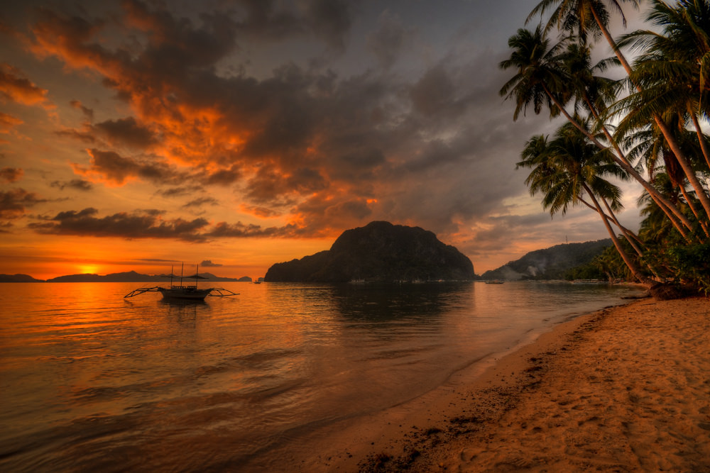 El Nido Sunsets - Copyright Travelosio