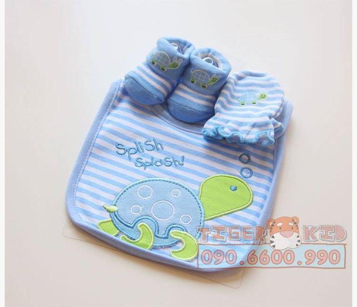 15158414074 98c14a667a o MS 129 Giftset gồm 1 bộ bao tay, 1 đôi vớ chân và 1 chiếc yếm cho bé