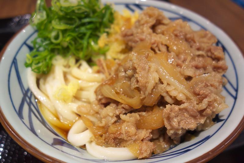 丸亀製麺の肉盛りうどん
