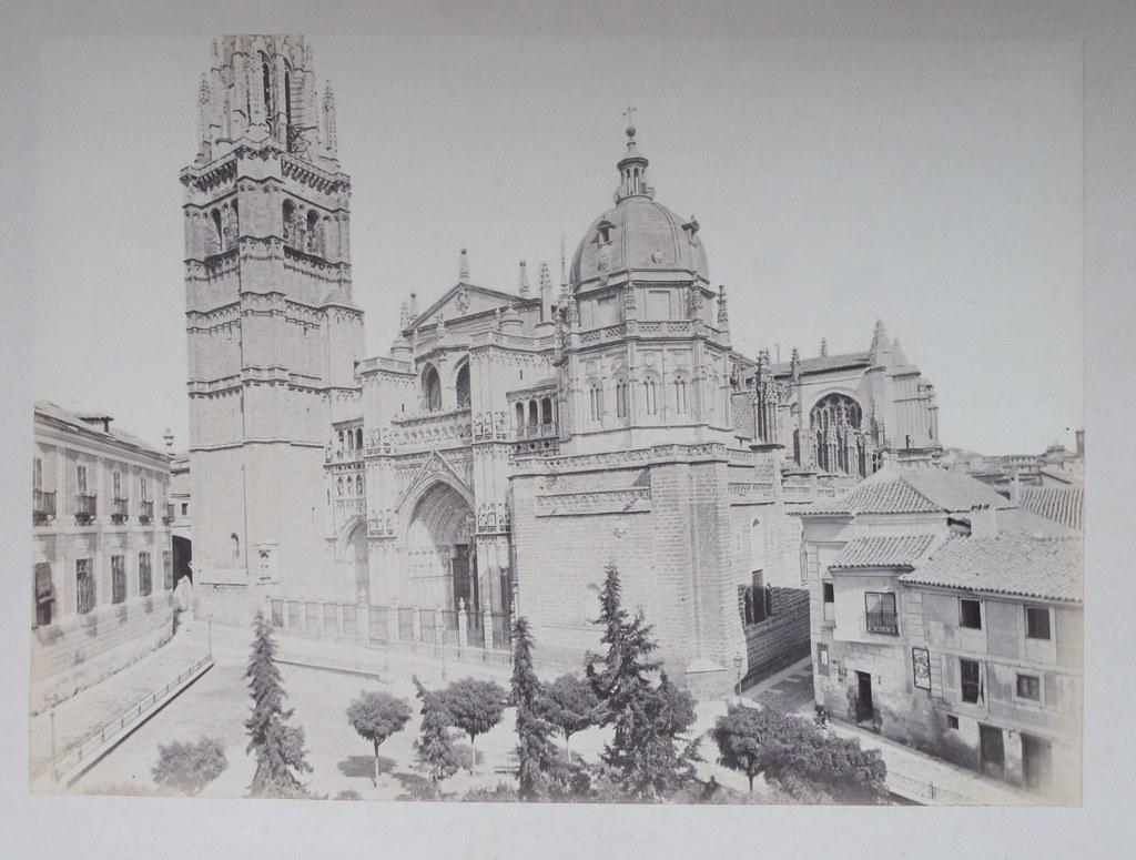 Catedral de Toledo hacia 1880. Fotografía de Léon Lemuet.