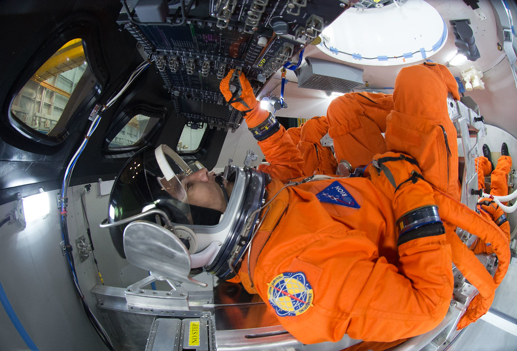 Orion Cockpit | Spacesuit engineers demonstrate how four ...