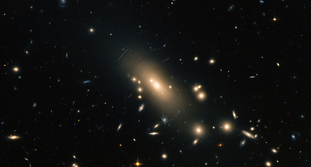 Hubble reveals a super-rich galactic neighbourhood | Flickr