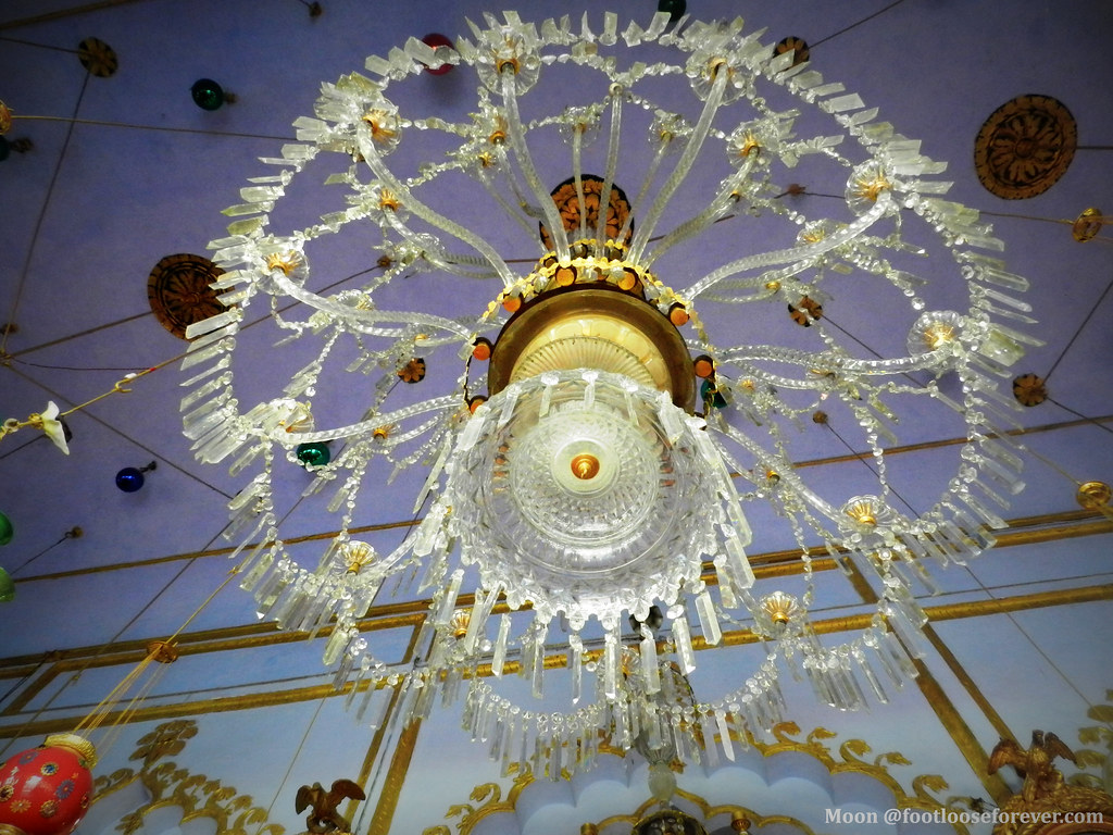 white chandelier, lucknow, imambara, congressional hall