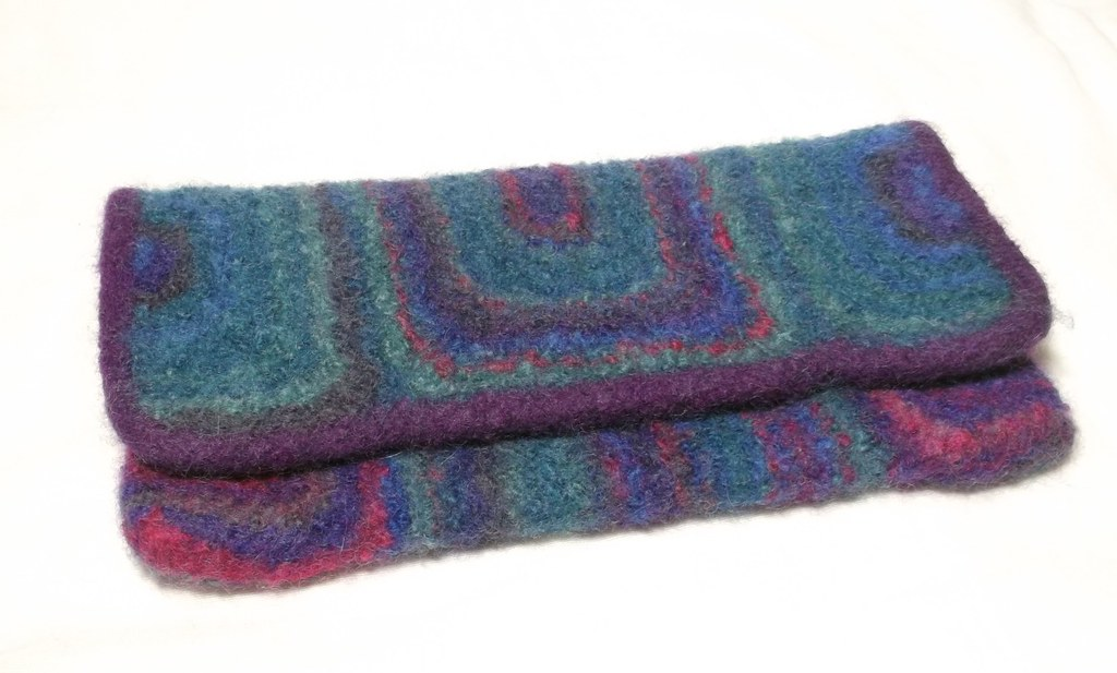 Aurora clutch bag Evening bag knitting pattern Claire ...
