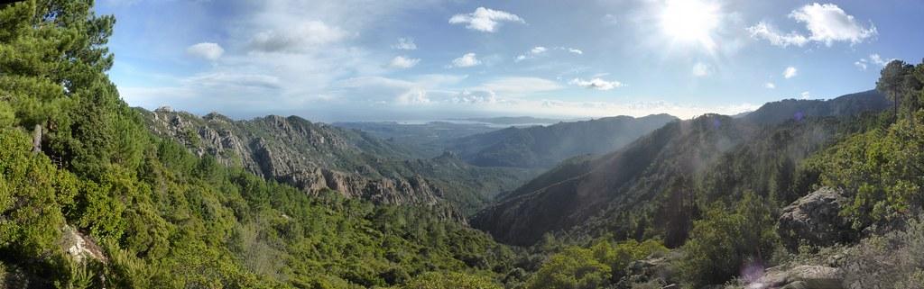 Panoramique annoté vers la vallée de l'Osu