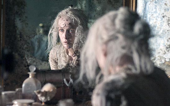 great expectations essays/ miss havisham Havisham essay 'miss havisham' is a bitter and twisted character from the novel 'great expectations' by charles dickens carol ann duffy takes this character and explores her tragic life in the poem 'havisham.
