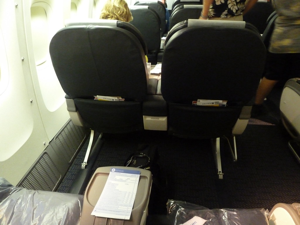 United Airlines First Class 777 200 United Airlines Boeing...