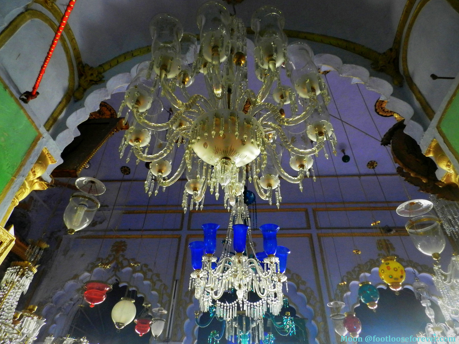 chandelier, lucknow imambara