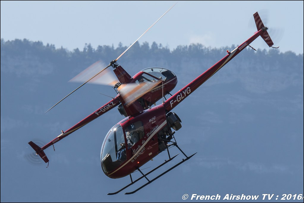 Tango Bleu , hélicoptère sportif , Robinson 22 R-22 ,F-GGKZ & F-GLYG , Grenoble Air show 2016 , Aerodrome du versoud , Aeroclub du dauphine, grenoble airshow 2016, Rhone Alpes