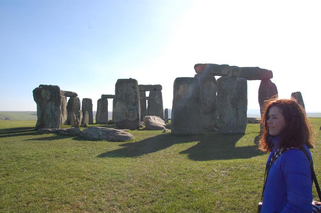 Manmely disfrutando de Stonehenge