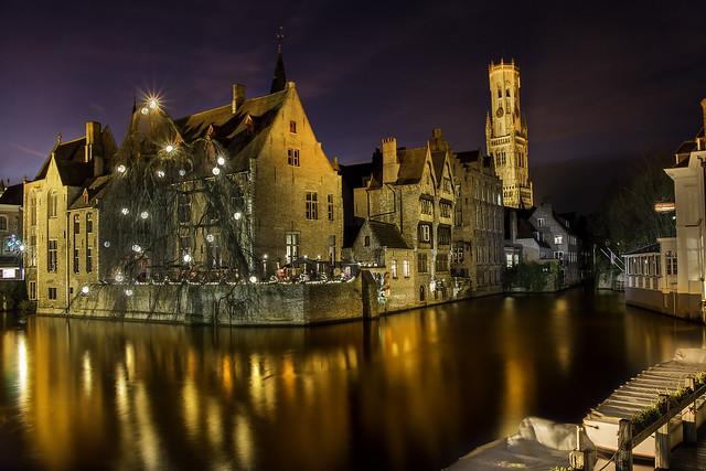 brujas tiene los canales más bonitos y es uno de los destinos turísticos más impresionantes