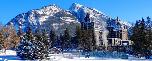 HFF! The Fairmont Banff Springs Hotel and Mount Rundle