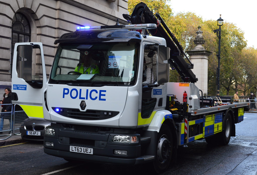 Metropolitan Police Renault Midlum Recovery Vehicle