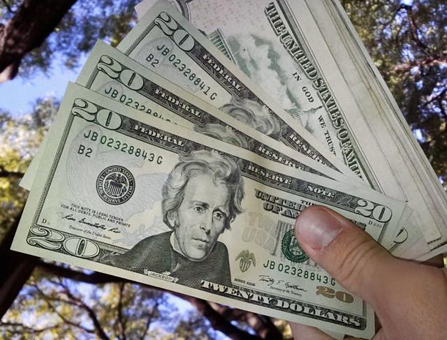 Consejos y remendaciones para sacar dólares en Nueva York