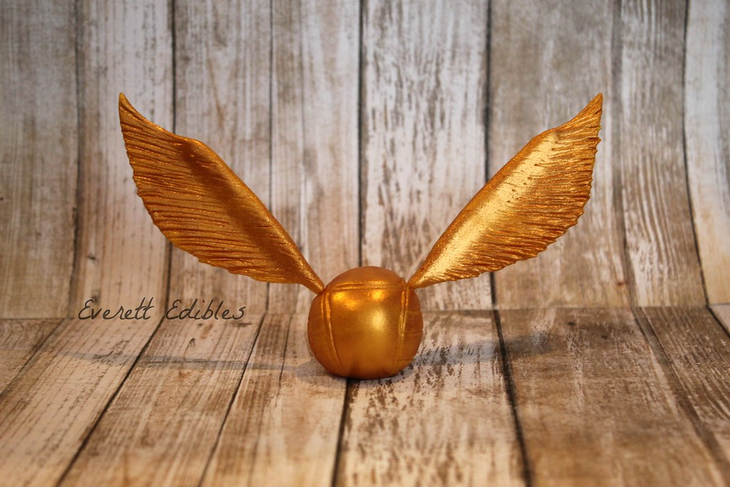 Golden Snitch Cake Decoration
