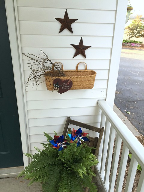 primitive patriotic decor