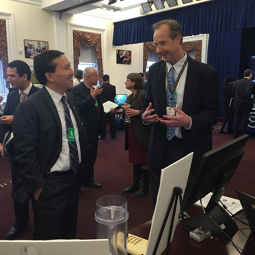 Eric Luebehusen explaining the US Drought Monitor to White House Water Summit attendee