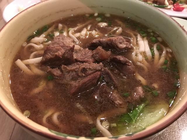 台湾牛肉麺@龍面