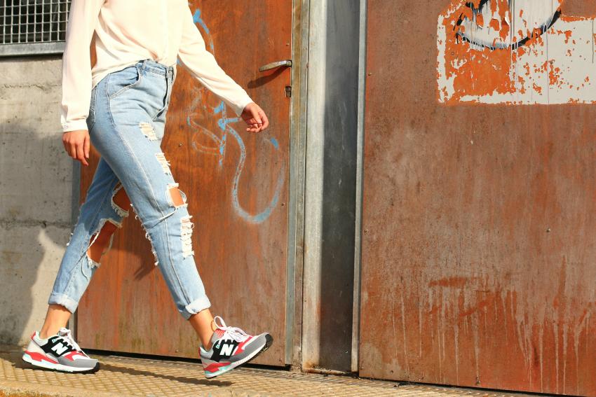 Como combinar jeans rotos